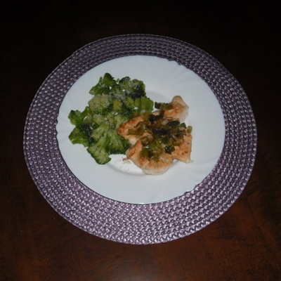 Chicken_broccoli florets_chives_garlic_goatcheese